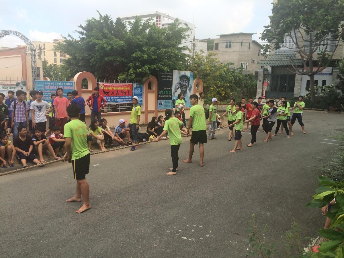 giáo viên nước ngoài tổ chức hoạt động hè 1
