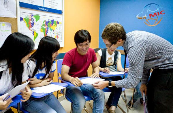 Cung cấp giáo viên nước ngoài cho Trung tâm Anh ngữ 222