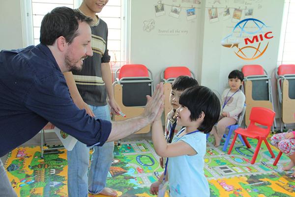 học tiếng anh hè với giáo viên bản ngữ 1