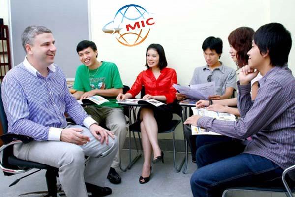 thuê giáo viên nước ngoài 211