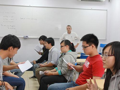 giáo viên nước ngoài a1