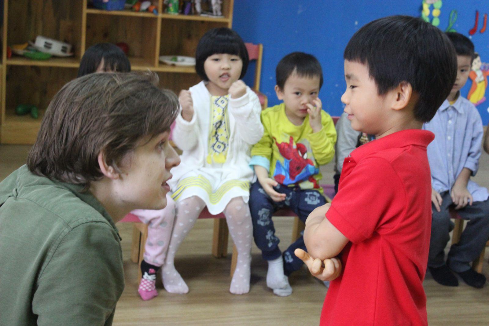 cung cấp giáo viên bản ngữ cho trường học 81