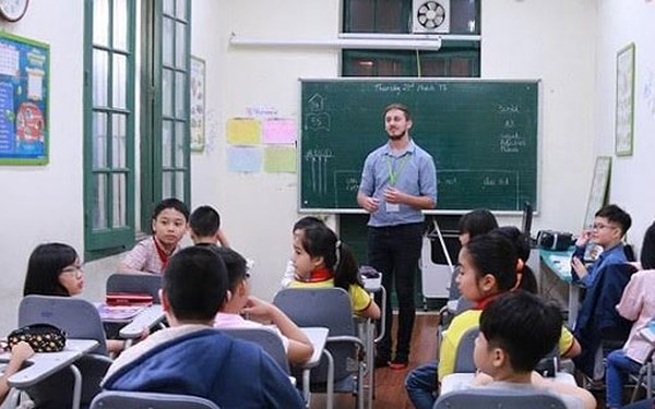 (Tiếng Việt) Lý do nên lựa chọn giáo viên bản ngữ để giảng dạy