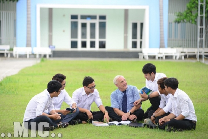 Tầm ảnh hưởng của giáo viên nước ngoài với sinh viên tại Việt Nam