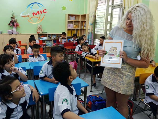 Có nên thuê gia sư tiếng anh là giáo viên nước ngoài không ?