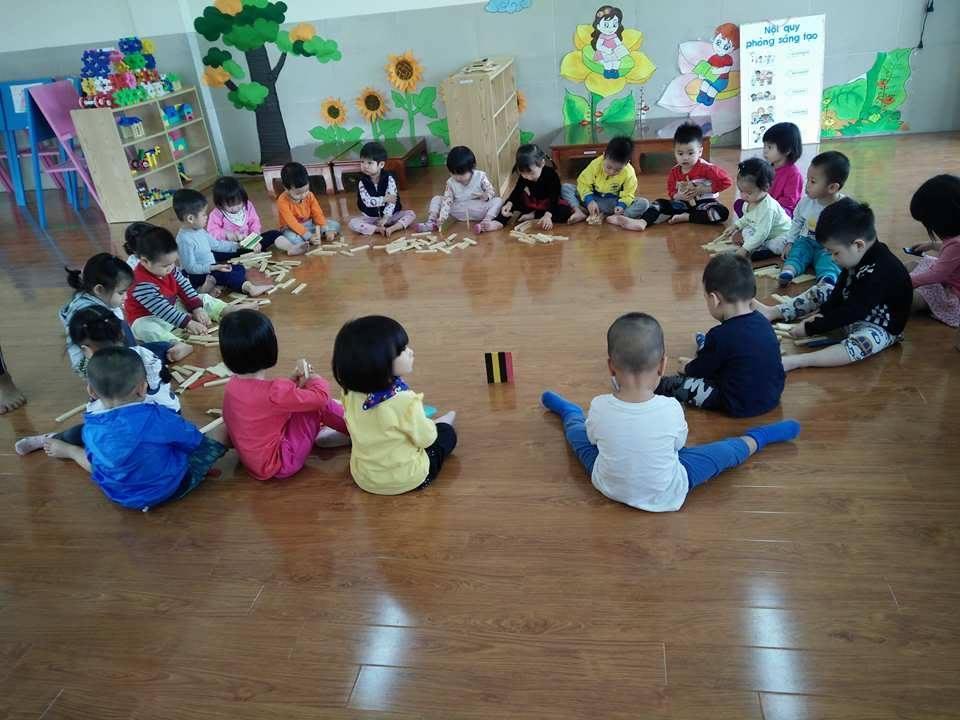 vui chơi cùng giáo viên nước ngoài 1