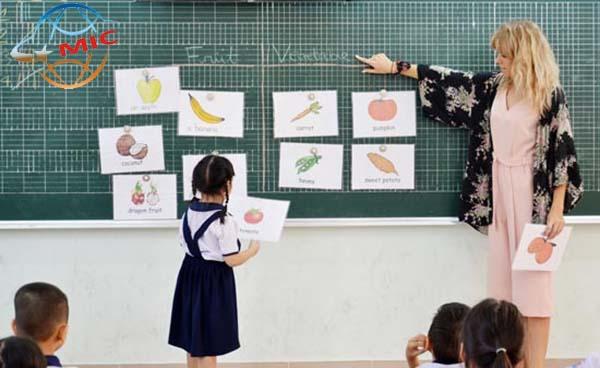 giáo viên dạy tiếng anh cho bé20101