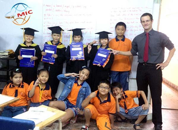 thuê giáo viên nước ngoài102