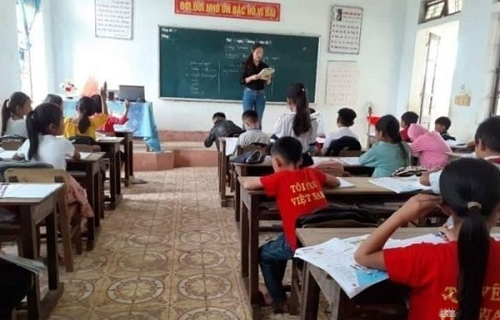 """Giáo viên chạy """"sô"""", 2.000 học sinh vẫn 'thất học' tiếng Anh"""