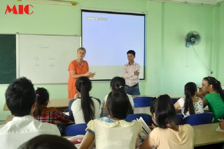 Thí điểm dạy Toán bằng Tiếng Anh tại Vĩnh Phúc