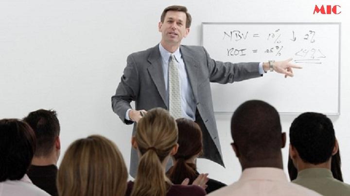"""Nguyên tắc """"vàng"""" cần biết khi tìm giáo viên Tiếng Anh"""
