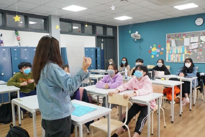 Hà Nội: Học sinh lớp 9, 12 học bài mới trên truyền hình để chống dịch Covid-19