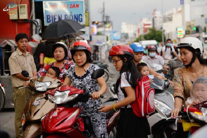 (Tiếng Việt) Giáo viên trung tâm ngoại ngữ chỉ cần có bằng cao đẳng