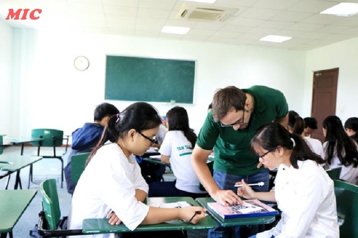 (Tiếng Việt) Chuyên sâu ngôn ngữ tiếng Anh – ngành học không lỗi thời