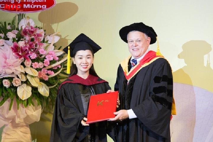 (Tiếng Việt) Sinh viên du học tại chỗ nhận bằng quốc tế!