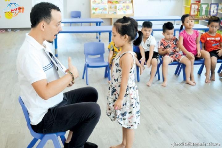 Cho trẻ giao tiếp tiếng Anh từ sớm là điều cần thiết